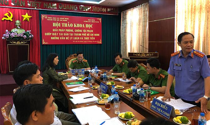 """""""Giải pháp phòng, chống tội phạm cướp giật tài sản tại địa bàn Thành phố Hồ Chí Minh - Những vấn đề lý luận và thực tiễn"""
