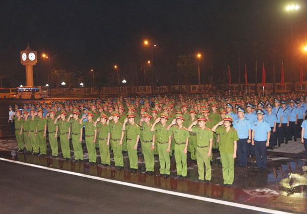 Lễ xuất quân thực hành chính trị - xã hội cho Khóa D43, D30 - 31 Lào và Khóa 4 hệ Tư pháp hình sự