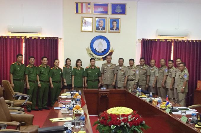 Giám đốc Học viện CSND thăm và làm việc tại Học viện Công an quốc gia Campuchia