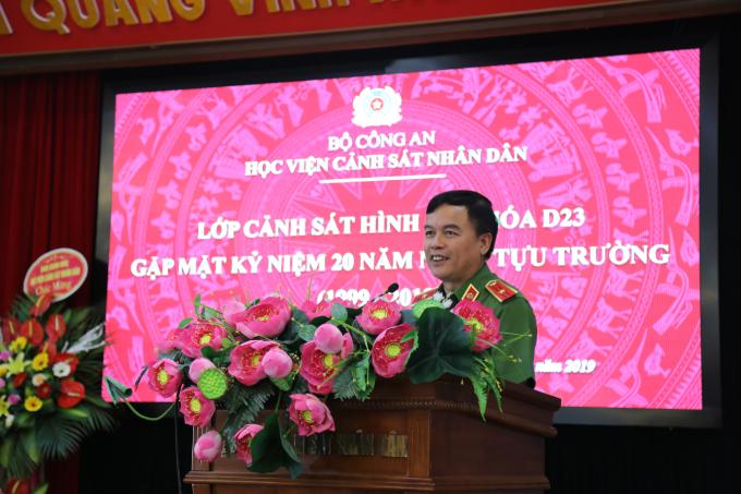 Thiếu tướng, GS.TS Nguyễn Đắc Hoan, Phó Giám đốc Học viện phát biểu tại buổi gặp mặt