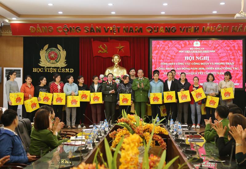 Tổng kết công tác Công đoàn, phong trào công nhân lao động năm 2020 và triển khai công tác năm 2021