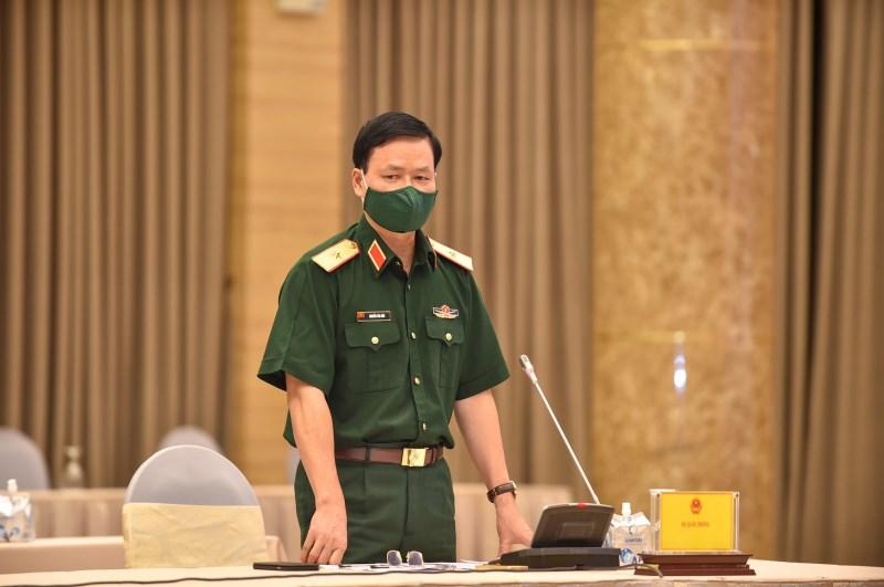 Thiếu tướng Nguyễn Văn Đức, Cục trưởng Cục Tuyên huấn, Bộ Quốc phòng trả lời câu hỏi